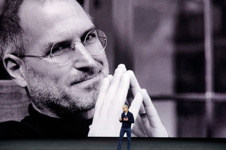 Pourquoi la rumeur sur les lunettes en hommage à SteveJobs sonne faux