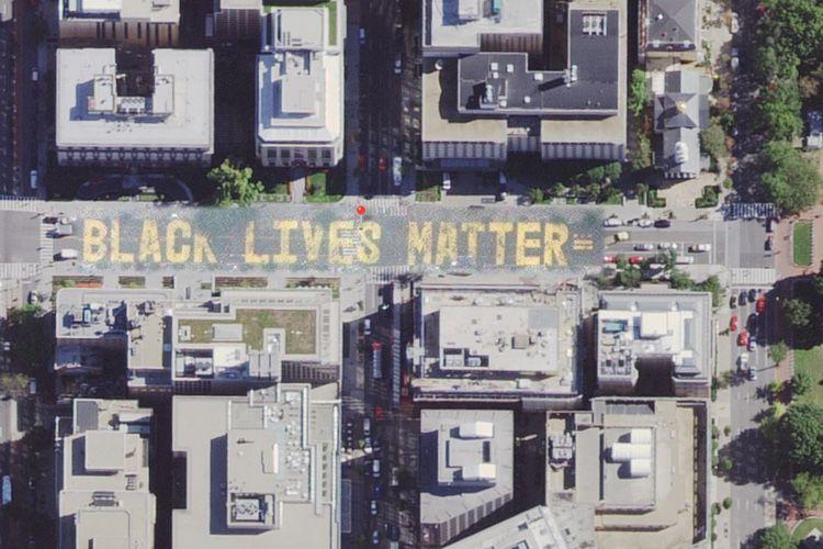 image en galerie : Plans affiche le «Black Lives Matter» devant la Maison Blanche