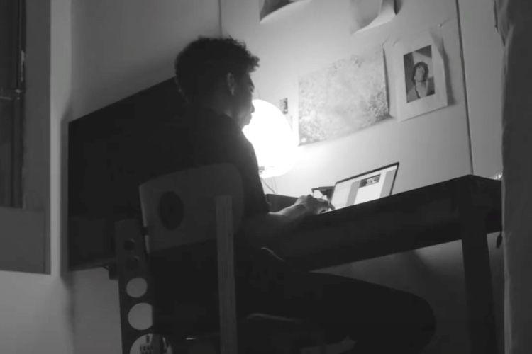 video en galerie : James Blake et Tyler Mitchell «derrière le Mac»