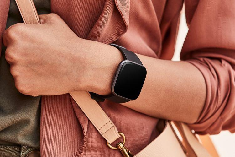 La Commission européenne lance une enquête approfondie sur l'acquisition de Fitbit par Google