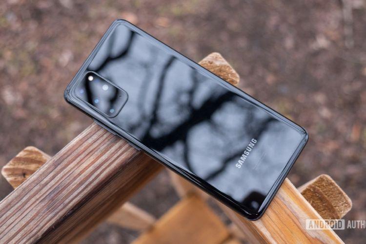 Ne surprenant personne, Samsung songerait à enlever chargeur et écouteurs de la boîte de son prochain smartphone