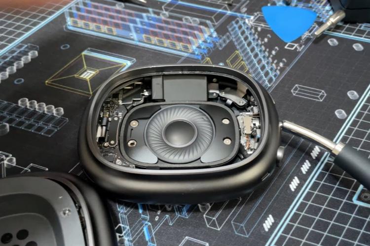 video en galerie : La batterie des AirPods Max pourra être changée sans trop de difficulté