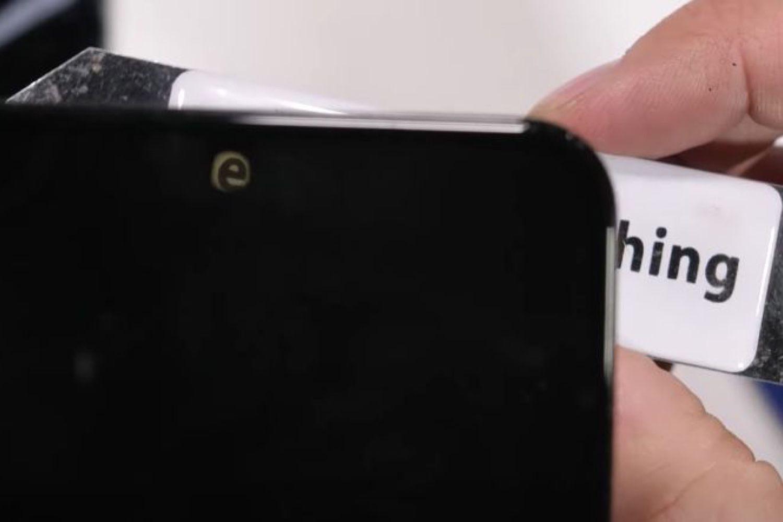 Comment ZTE fait fonctionner une caméra sous l'écran de l'Axon20