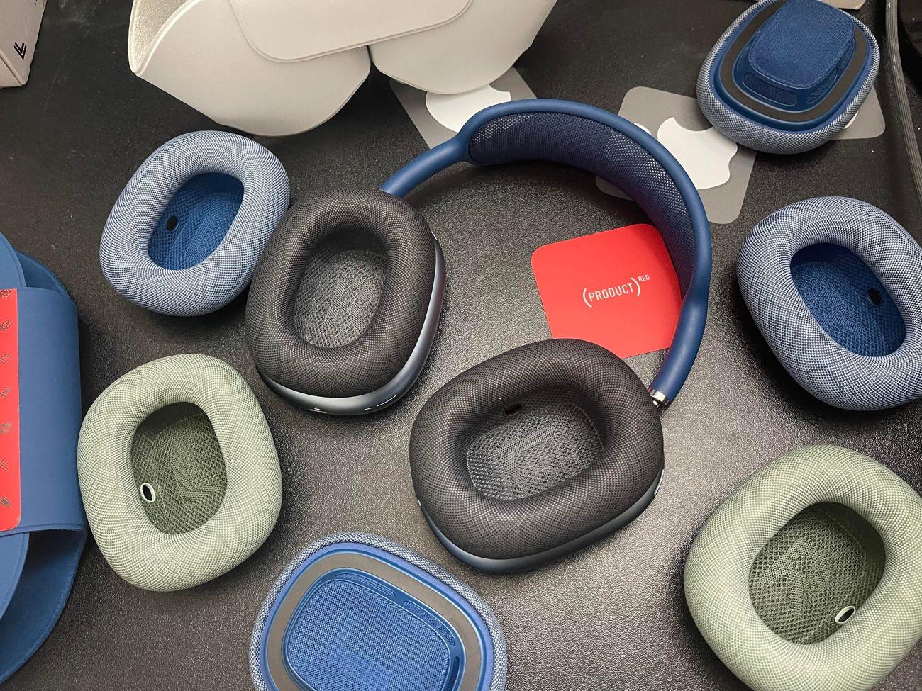 Déballage des coussinets de rechange pour AirPods Max