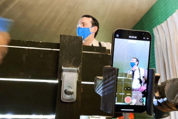 Pour faire un film, il suffit d'un iPhone (et de beaucoup de matos à côté)