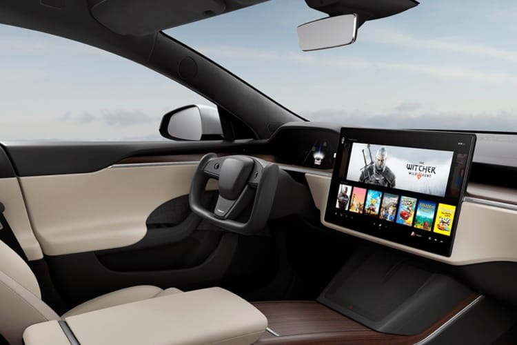 Tesla coupe le volant en deux sur les Model S et ModelX de 2021