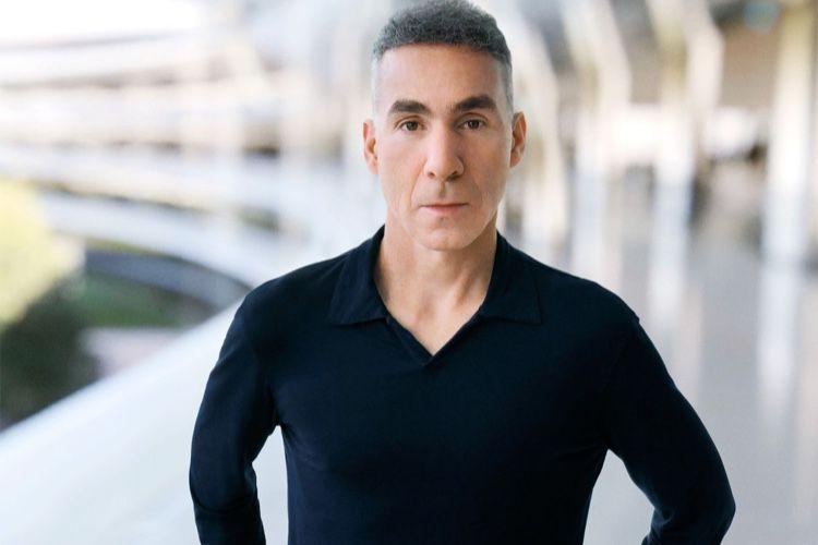Un nouveau rôle et un mystérieux «nouveau projet» pour Dan Riccio
