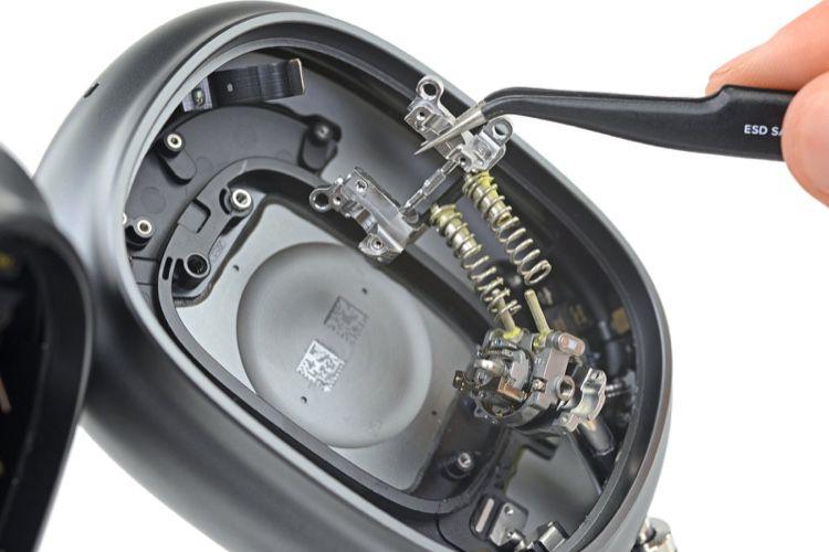 iFixit: les AirPods Max évoquent une montre mécanique plutôt qu'un casque