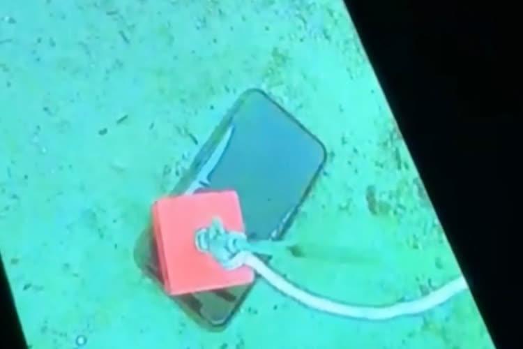 video en galerie : Un iPhone 11 Pro glacé mais pas frappé après un mois sous l'eau