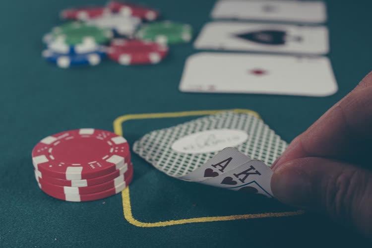5G : le patron d'Iliad (Free Mobile) fustige les concurrents «mauvais joueurs»