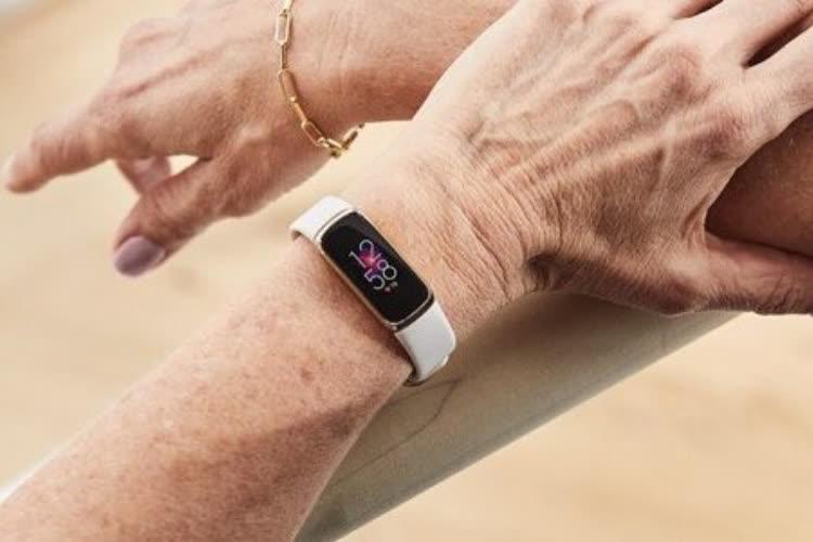 Fitbit : un bracelet Luxe pratique et classe à la fois