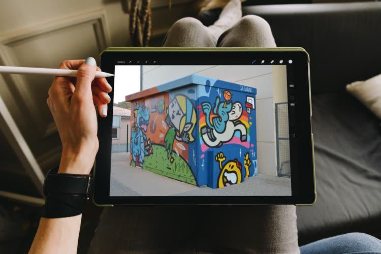 Au doigt et au Pencil: La Coulure, un collectif de peinture murale