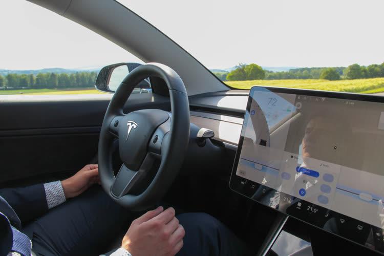 Face aux autorités, Tesla reconnaît qu'Elon Musk exagère les capacités de l'Autopilot