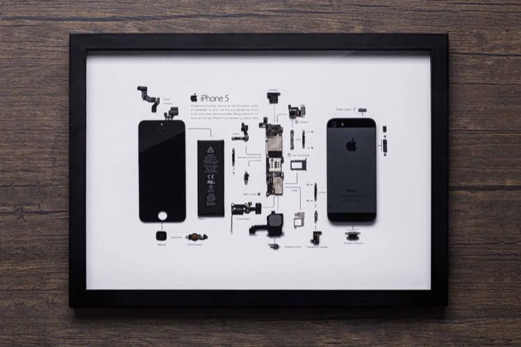 Idée déco: des iPhone démontés mis sous cadre