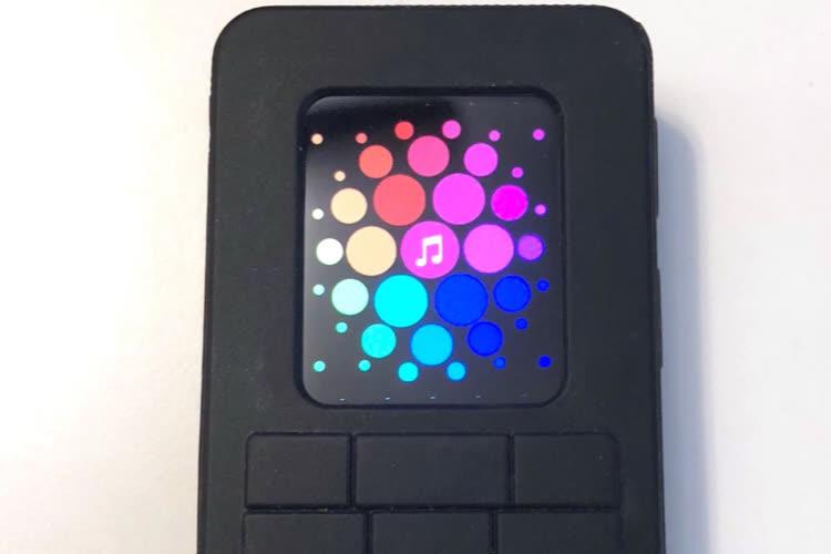 Un prototype d'AppleWatch déguisé en téléphone à touches