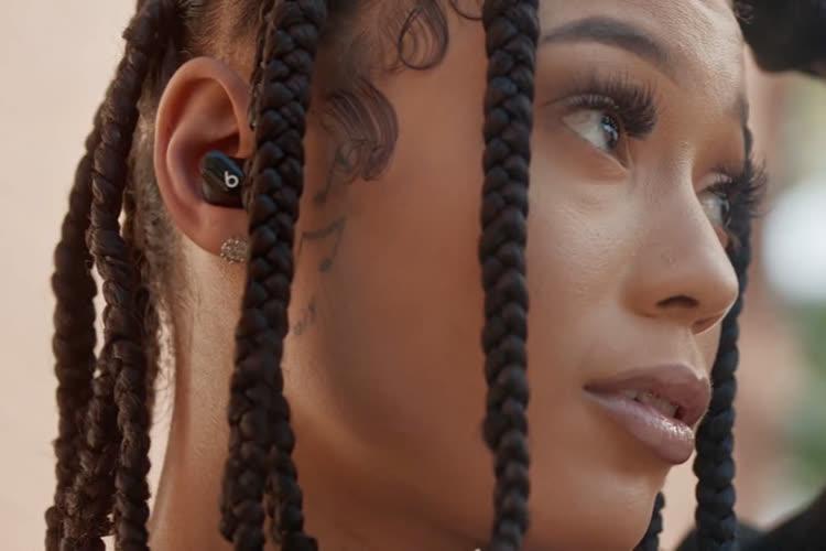 video en galerie :  Beats : des vedettes pour vendre les Studio Buds