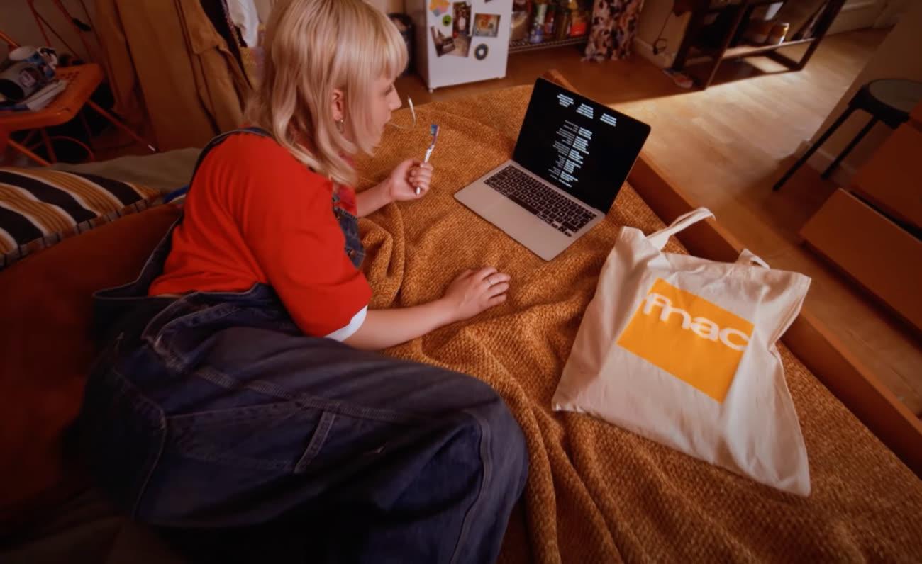 video en galerie : La Fnac et Apple veulent vendre le MacBookAir aux utilisateurs les plus infatigables