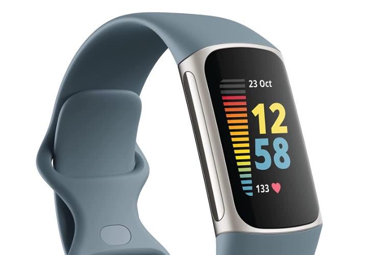 Le futur bracelet Charge 5 de Fitbit maintenant en vidéo