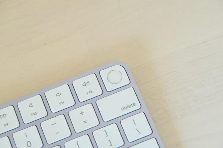 Le Magic Keyboard avec Touch ID en vente séparément à partir de 159€