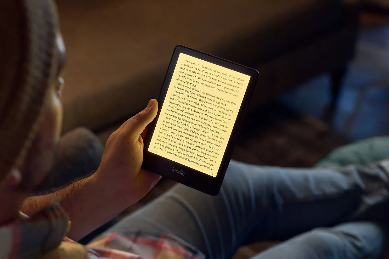 Amazon lance deux Kindle d'entrée de gamme plus grands etmusclés
