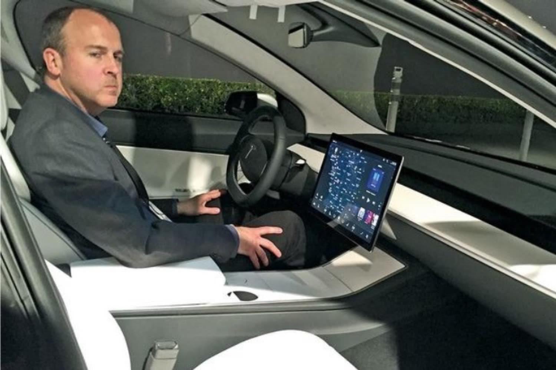 Le projet Titan poursuivra sa route sans son vice-président Doug Field