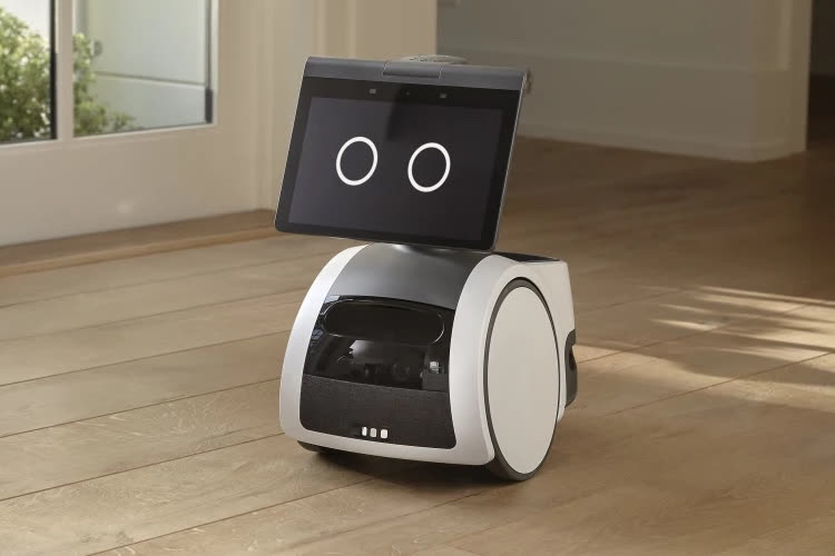 Un robot Alexa, un grand écran Echo et plein d'autres bidules connectés chez Amazon