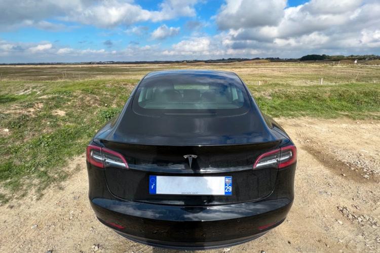 En pleine pénurie de composants, Tesla confirme son statut d'exception